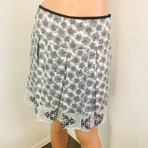 White House Black Market Skirt Size 2 Silk